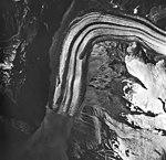 Lituya Glacier, tidewater glacier with wide moraines and hanging glaciers, August 24, 1963 (GLACIERS 5595).jpg