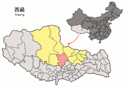 Location of Baingoin County (red) in Nagqu City (yellow) and the Tibet A.R.