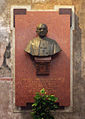 Lodi busto monsignor Benedetti.JPG