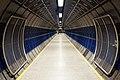 London tube corridor (19980799311).jpg