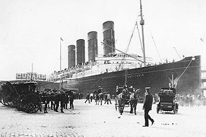 Lusitania arriving in New York 4.jpg