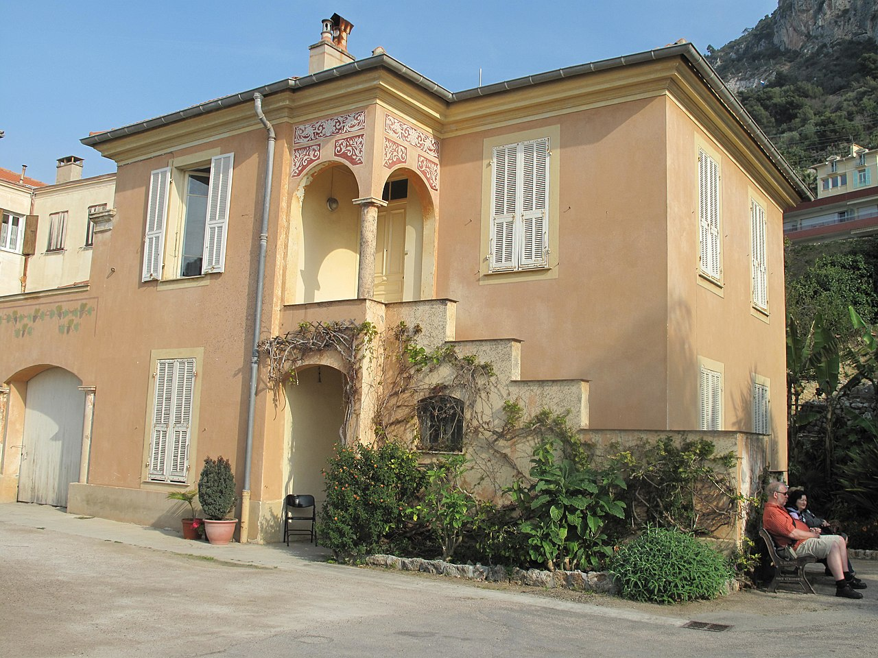 File maison du gardien de la villa maria wikimedia commons - Gardien de villa de luxe ...