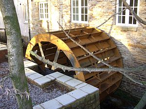 Malin Bridge - The Malin Bridge corn mill water wheel was fully restored at the end of 2008 along with the redevelopment of the mill into 23 apartments.