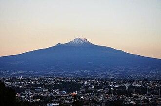 Tlaxcala City - Image: Malinche and Ciudad de Tlaxcala