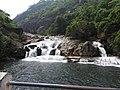 Manimuthaaru falls-2-tirunelveli-India.jpg