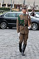 Marching soldier (15495571834).jpg