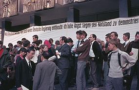 Marktplatz 2, Demo gegen Notstandsgesetze.jpg