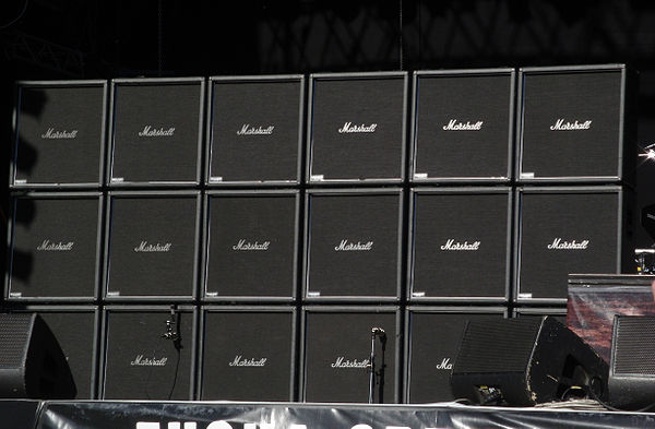 Jeff Hanneman's 3 × 6 stack of Marshall ModeFour guitar cabinets on stage at the Tuska Open Air Metal Festival in 2008. The bottom row are all active with the others being dummies. MarshallStack Slayer.jpg