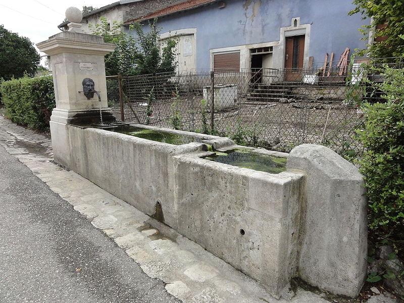 Marson-sur-Barboure (Meuse) fontaine B