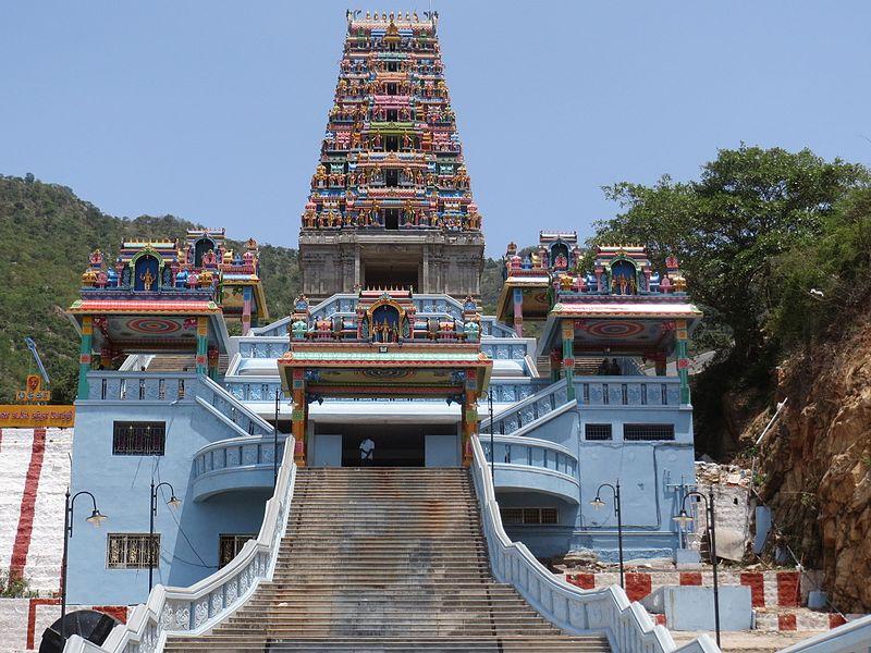 படிமம்:Maruthamalai Rajagopuram.jpg