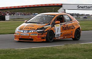 Matt Neal - Neal driving the Team Halfords-run Honda Civic at Snetterton in the 2007 BTCC season.