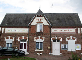 The town hall in Maucourt