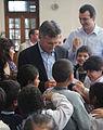 Mauricio Macri presenció una clase sobre cuidado ambiental en una escuela primaria de Nueva Pompeya (6863217618).jpg