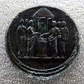 Medaglione di lucilla, 147-183 dc ca., verso con sacrificio di vestali.JPG