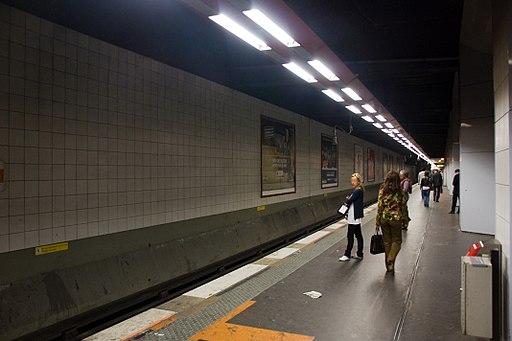Metro L1 Grande-Arche IMG 5575