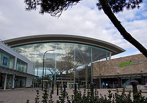 Central Milton Keynes Shopping Centre - The arc joining intu Milton Keynes to the Centre:MK