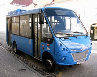 Minibus passenger carrying motor vehicle