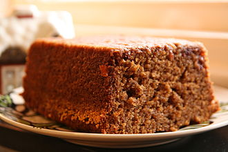 Gingerbread - Image: Mjuk pepparkaka med lingon