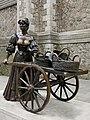 Molly Malone. St. Andrew's St, Dublin (507139) (32650546841).jpg