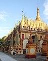 Monywa-Thanboddhay-52-Stupas-gje.jpg
