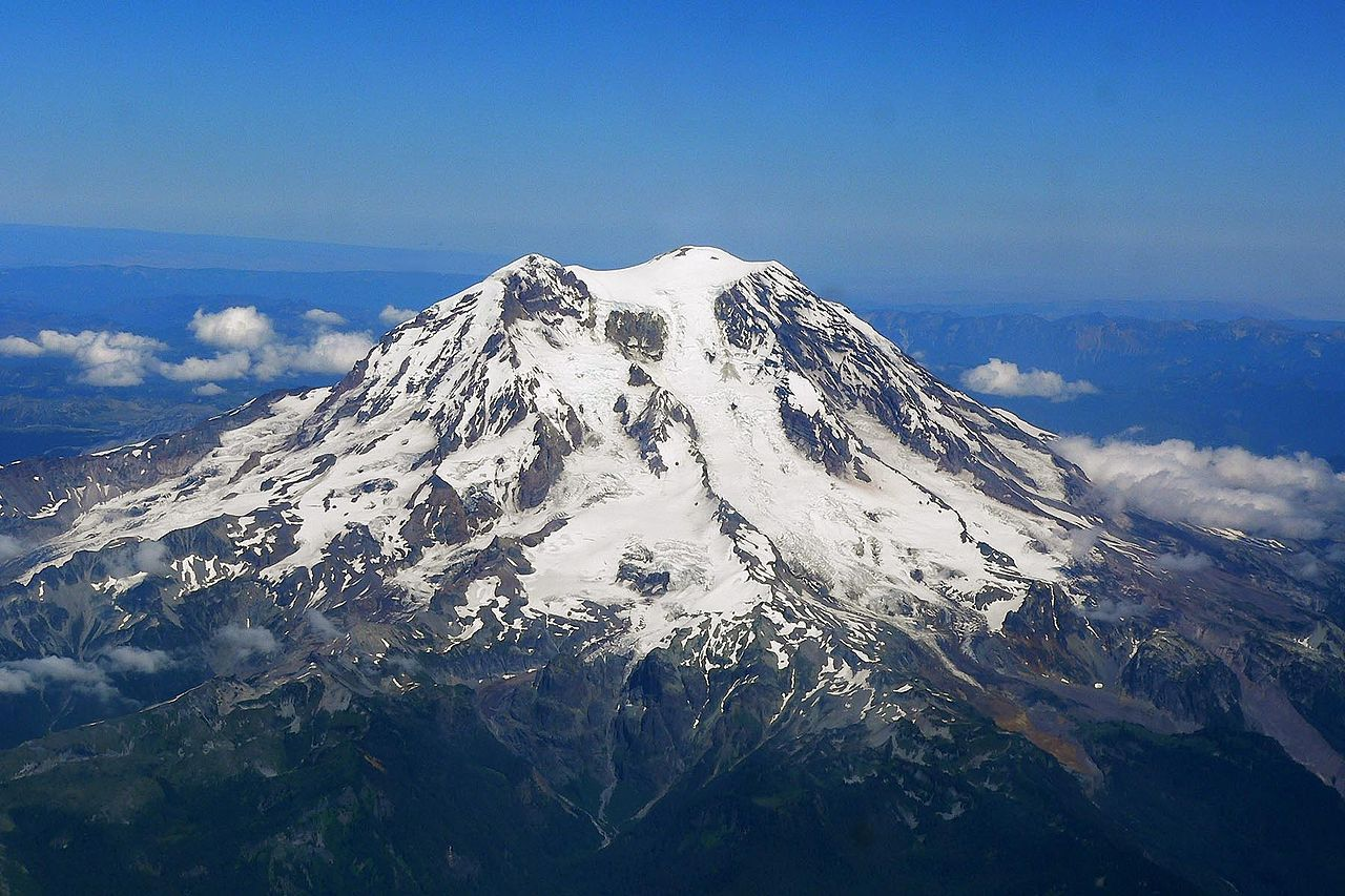 1280px Mount Rainier from west