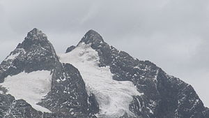 Margherita Peak (rechts), Alexandra Peak (links)