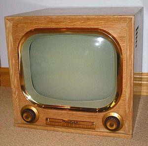 Madman Muntz - A 1951 Muntz TV model 17A3A