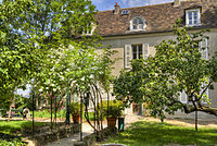 Musée de Montmartre - maison du Bel Air.jpg