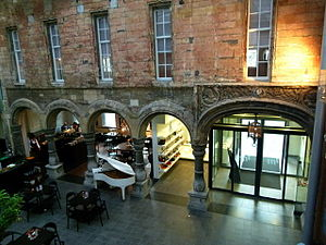 Museum aan het Vrijthof - Renaissance arcade with portrait medallions
