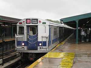 Train of Many Colors - Image: NYC Subway R33ML 9010 on the 7
