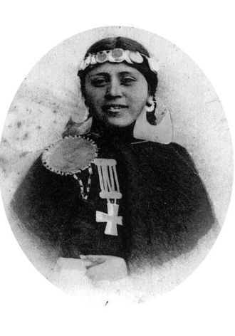 Demographics of Chile - 1902 photograph of a Mapuche girl from Concepción, in southern Chile.