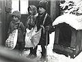 Nicolae Ionescu - Children carolers in Bucharest, 1929.jpg