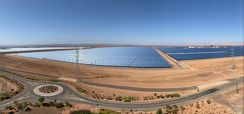 File:Noor 1 and 2 - Ouarzazate Solar Power Station (48962353822).jpg - Wikimedia  Commons