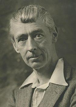 Norman Lindsay 1931 - Cazneaux (cropped).jpg