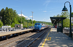 Northbound Hudson Line train arriving at New Hamburg station.jpg