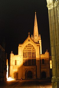 Norwich Cathedral (geograph 4315054).jpg