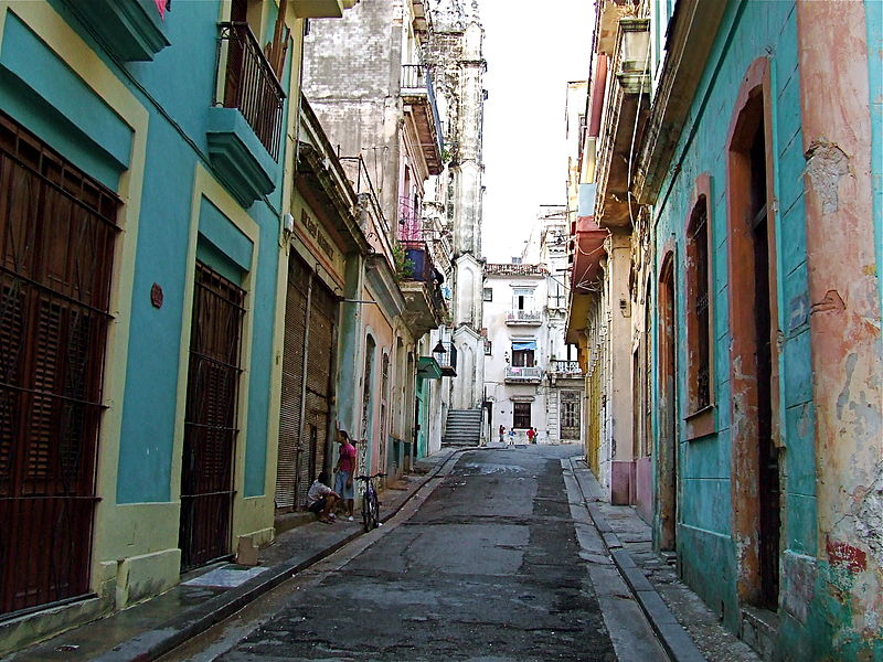 File:Old Havana back street.JPG