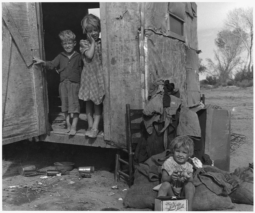 On Arizona Highway 87, south of Chandler. Maricopa County, Arizona. Children in a democracy. A migra . . . - NARA - 522526