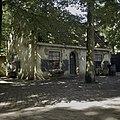 Overzicht van een huisje aan het Anton Pieckplein - Kaatsheuvel - 20400119 - RCE.jpg