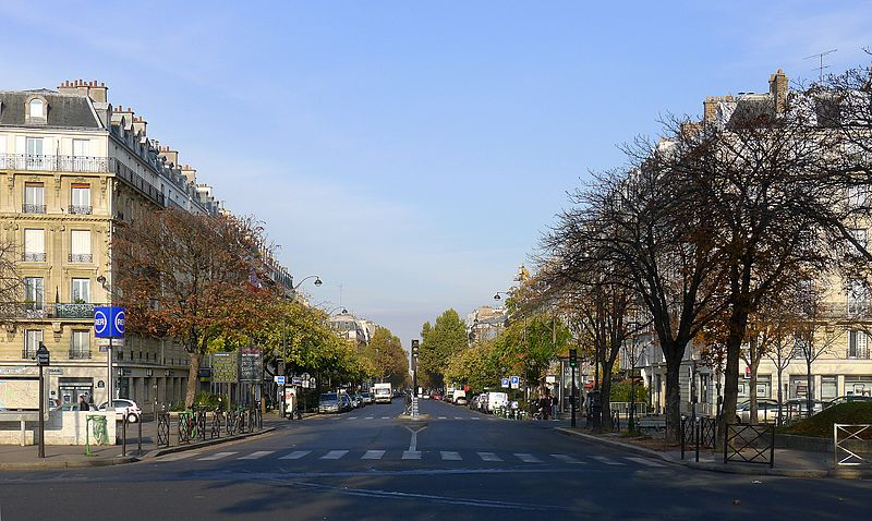 Fichier:P1060451 Paris XI boulevard Voltaire place de la Nation rwk.JPG