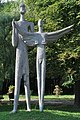 PL - Mielec - rzeźba Dedal i Ikar - (Kazimierz Mierczyński) - Kroton 002.jpg