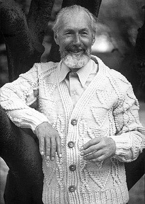 P. A. Ó Síocháin - P. A. Ó Siocháin in 1985, age 80, modelling one of his Aran cardigans.