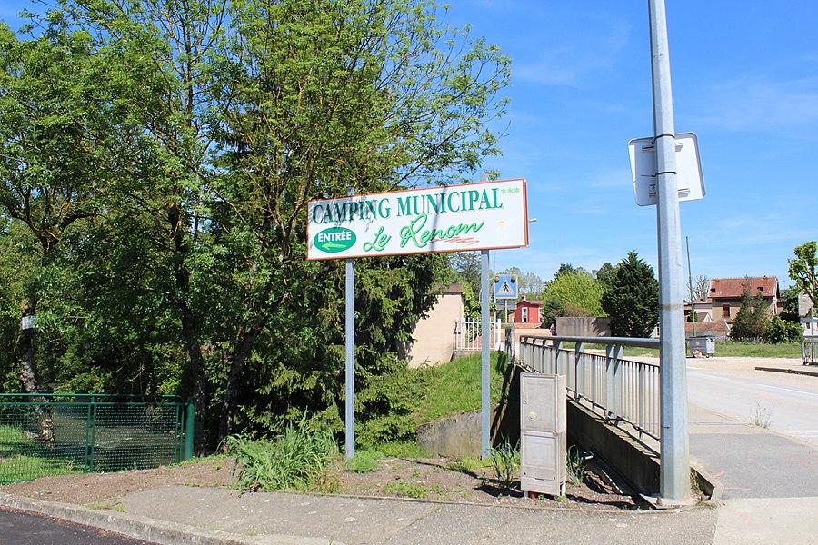 Panneau indiquant l'entrée au camping du Renom à Vonnas