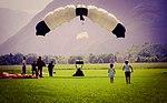 Paraglider landing (30074988668).jpg