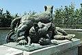 Parc de Versailles, Fontaine du Point du Jour, Tigre terrassant un ours, Jacques Houzeau, 1687 02.jpg