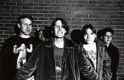 The indie rock band Pavement in 1993 Pavement, the band, in Tokyo.jpg