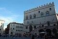 Perugia - Palazzo dei Priori - panoramio.jpg