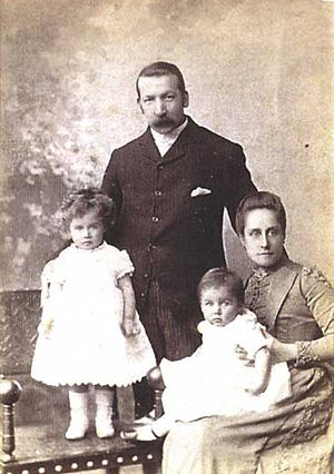 Peter Paul Pugin - Peter Paul Pugin, with his wife Agnes Bird and two of their children, circa early 1890s