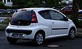 Peugeot 107 68 Active (2. Facelift) – Heckansicht, 24. Juni 2012, Ratingen.jpg