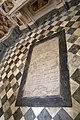 Pistoia, santissimo crocifisso, interno 08 tomba terragna.jpg